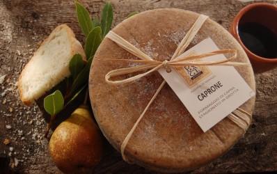 Caprone formaggio di capra stagionato in grotta